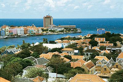 Bon Bini, Häämatka Curacaolle