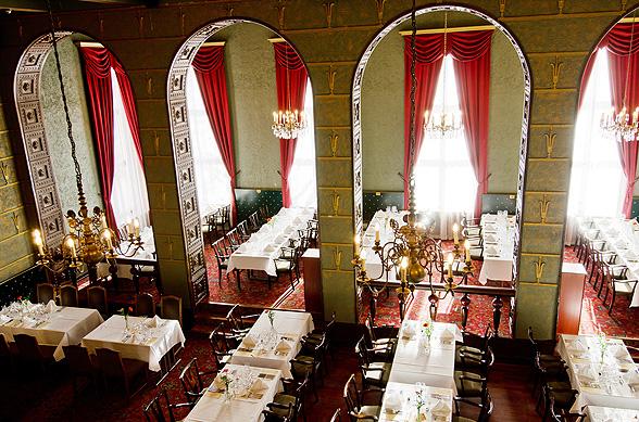 Näyttävät häät Grand Hotel Tammerissa