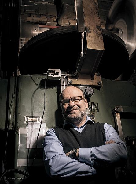 Lumoavan Heikki Hartikainen on Vuoden Kultaseppä 2015