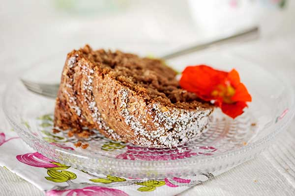 Leivo kookos-kaakaokakku kahvikakkubuffaan