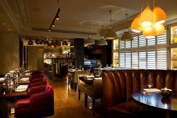 Viiden tähden illallinen Lontoossa