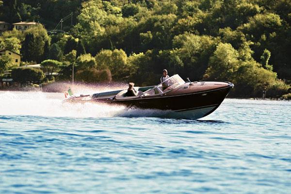 Häälahjaksi ajelu luksusvene Rivalla?