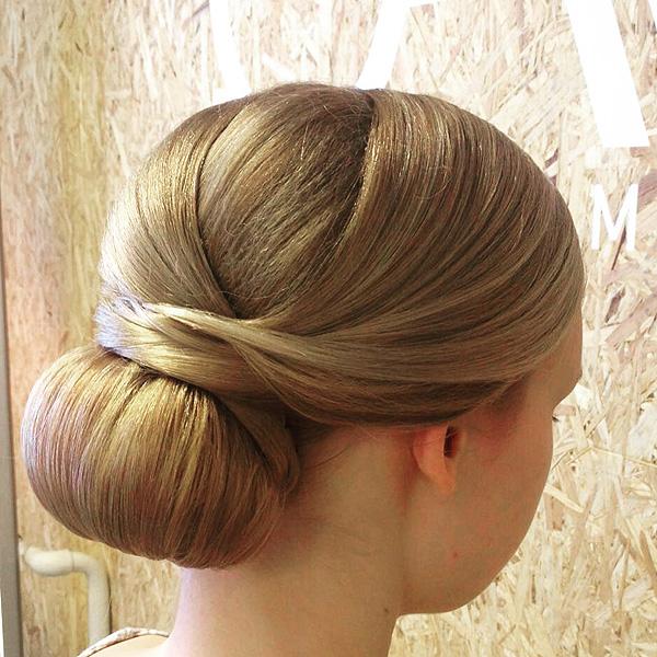 Harmaita hiuksia hääkampauksesta?