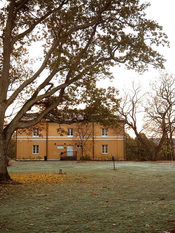 Hämeenkylän kartano tarjoaa tunnelmaa hääyöhön tai -juhlaan