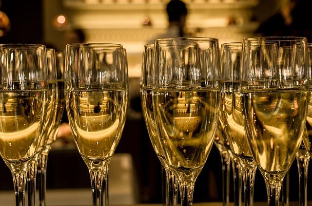 Kuohuviinistä on moneksi – ota käyttöön muuhunkin kuin onnittelumaljana
