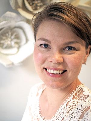 Nina Röntynen aloittaa häämuodin ja -kauneuden tuottajana Häät Mediassa