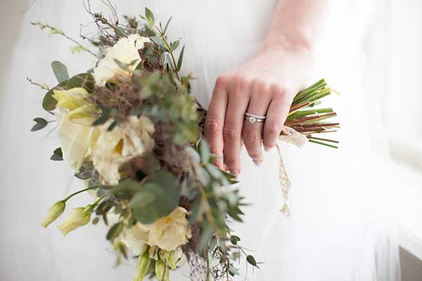 Inspiraationa romanttiset keväthäät rustiikkisessa maalaismiljöössä