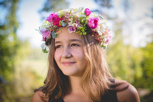 Viimeisin Villitys: Kruunaa hääkampaus kukkasin!