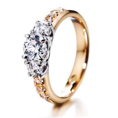 Tulppaani-timanttisormus runkotimanteilla – Kultasepät Andreasen