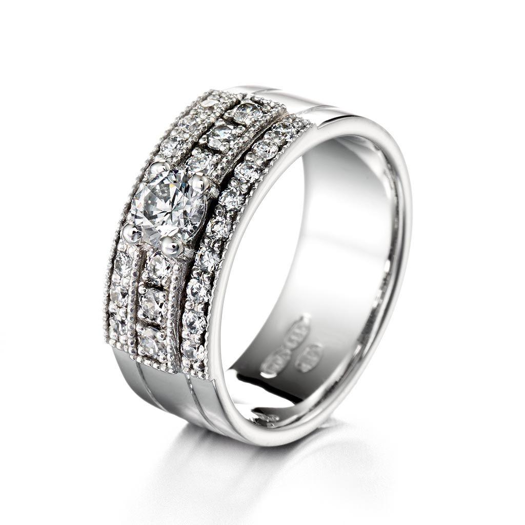 Leveä Krysantti-timanttisormus – Kultasepät Andreasen