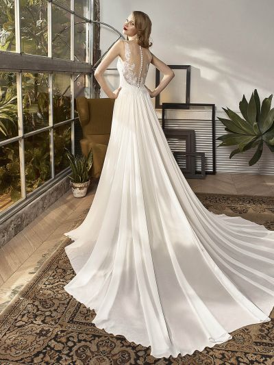 Beuautiful by Enzoani BT18-20