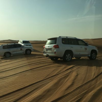 Aavikkosafari häämatkalla Dubaissa