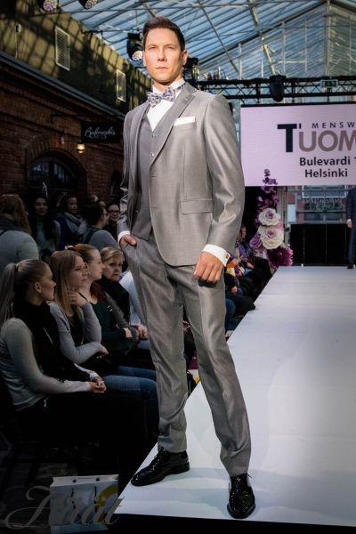 miehen puku Tuomo Menswear