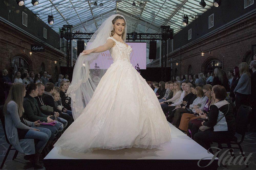 White Dress hääpuku Mennään naimisiin messut 2019