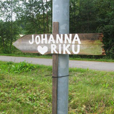 Hääkyltti Johanna ja Riku