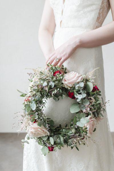 Boheemi morsian kukkaseppele kukkakranssi