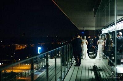 juhlapaikka Aitio-sali Helsinki Oiva deli Lily Christina Photography