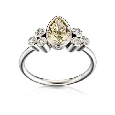 timanttisormus keltainen timantti Kultaseppä Kulmala Pisara