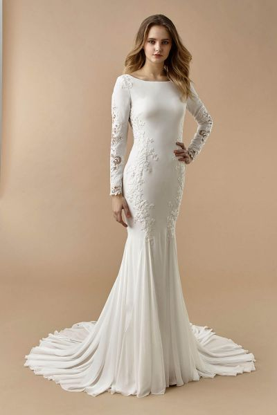 Beautiful by Enzoani sleek wedding dress BT20-11