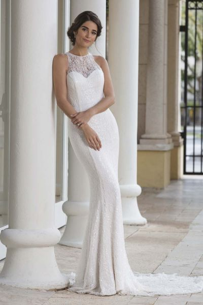 Morsiuspukuliike Josefiina lace wedding dress Sincerity 44096