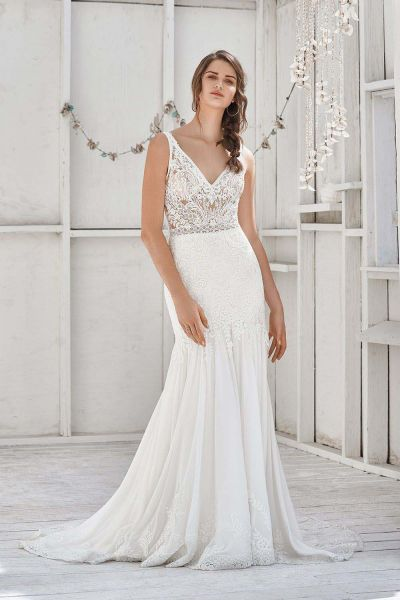 Valkoinen kreivitärLillian West wedding dress 66040