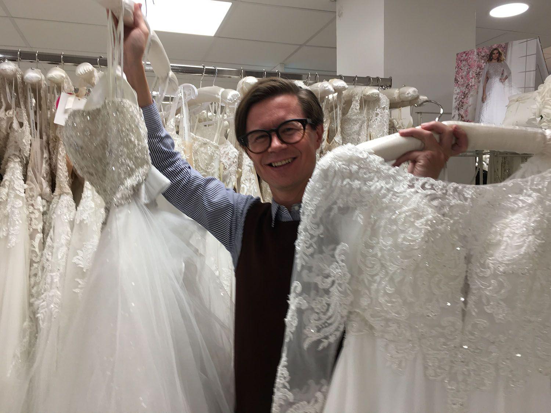 Say Yes to the Dress Suomi 2019 -tiimin mentori Sami Sykkö