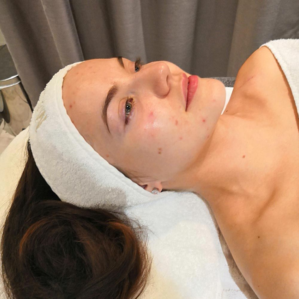 morsiamen kauneuden hoito Massada kosmetologilla
