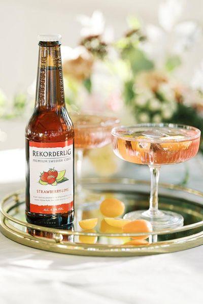 siideripullo cocktail punainen juoma