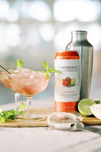 siideritölkki cocktail punainen juoma