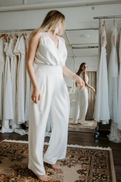 Laura Hyvi Bridal hääpuvut housupuku