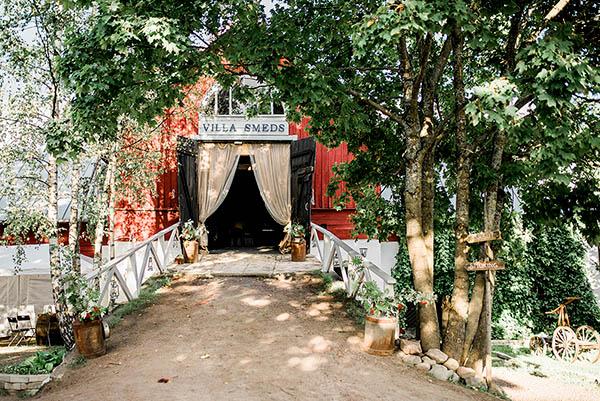 Häät Villa Smedsissä: maalaisromantiikkaa keskellä kaupunkia